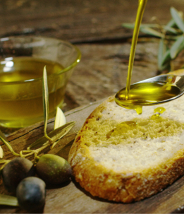 Raccolta Olive e Olio - The Market San Marino Outlet Experience