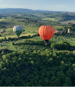 Volo in Mongolfiera - The Market San Marino Outlet Experience